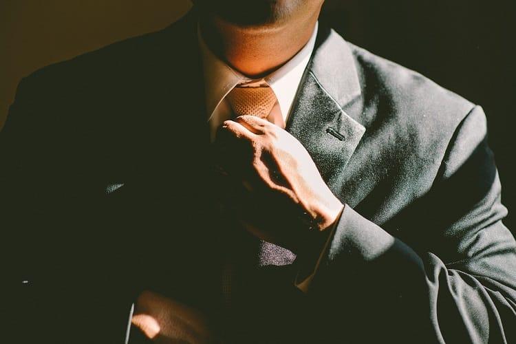 いきなり起業をして信用を得るというタイミング(資金力があることは前提)